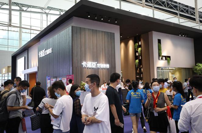卡诺亚定制家居携轻奢新品绽放中国建博会(广州)